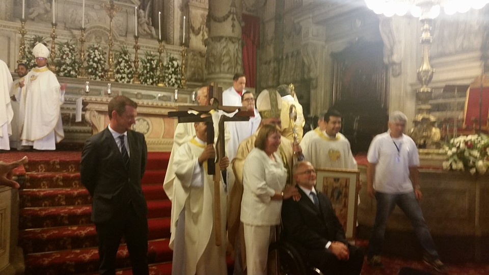 Presidente do Comitê Internacional dos Jogos Paralímpicos e sua esposa ao lado de Dom Orani, Padre Leandro com os ícones dos Jogos Paralimpicos.