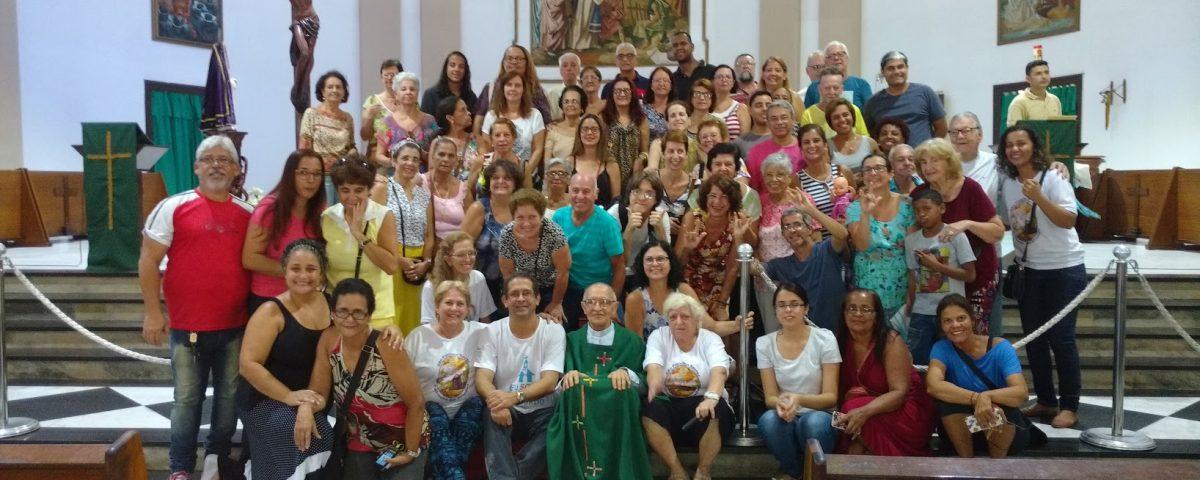 Foto oficial das Comunidades de surdos da Arquidiocese do Rio. Igreja de São Francisco Xavier, Tijuca. 1ª Missa Missionária de 2017