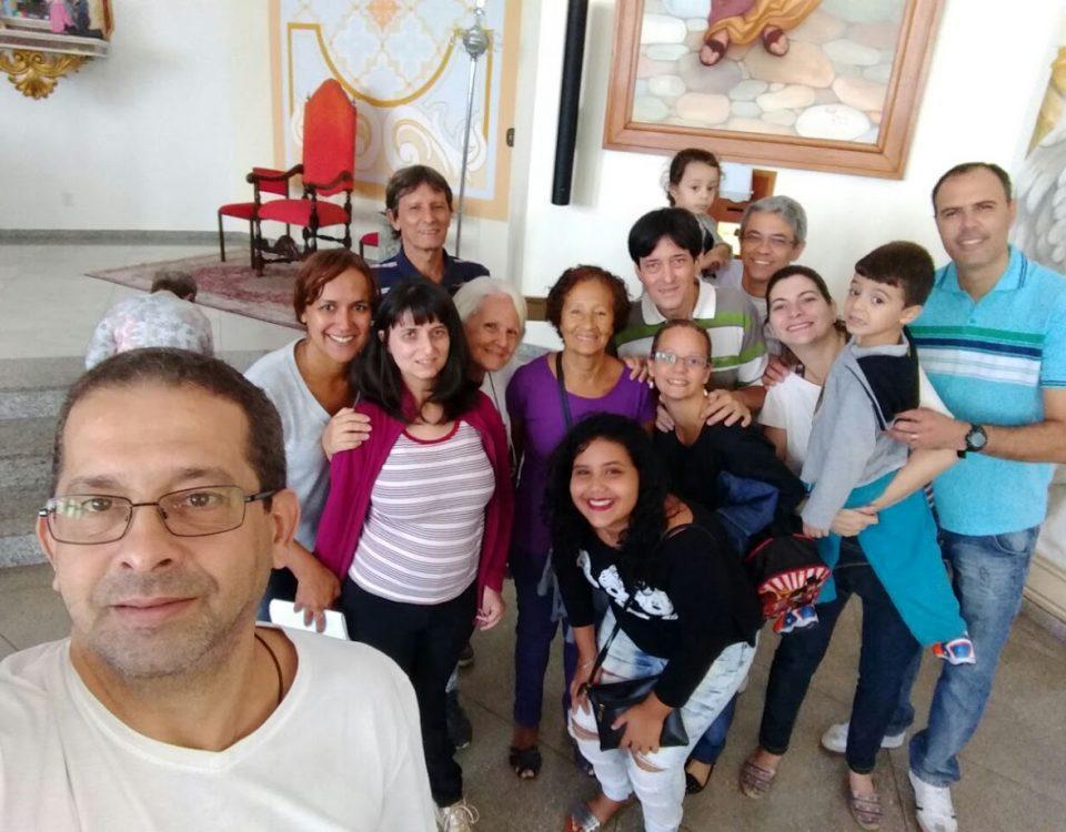 Surdos re reúnem para a Eucaristia na Igreja de Nossa Senhora de Fátima, em Jacarepaguá, 2 de abril de 2017.