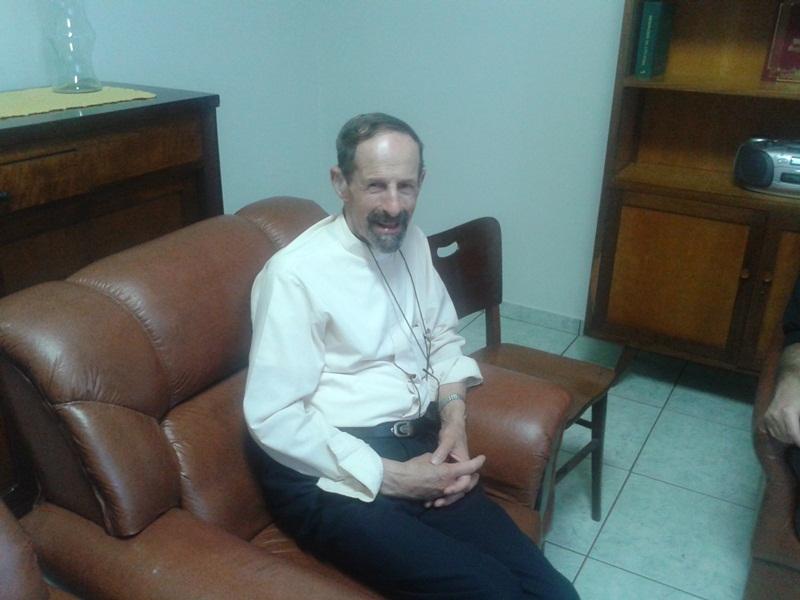 Uma das últimas aparições do saudoso padre Volmir, sacerdote surdo de Porto Alegre, RS.