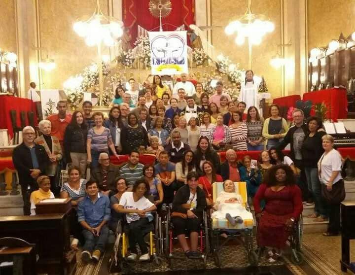 Foto Oficial da Pastoral da Pessoa com Deficiência. Igreja Matriz de Sant'ana - Praça Onze, 12 h.