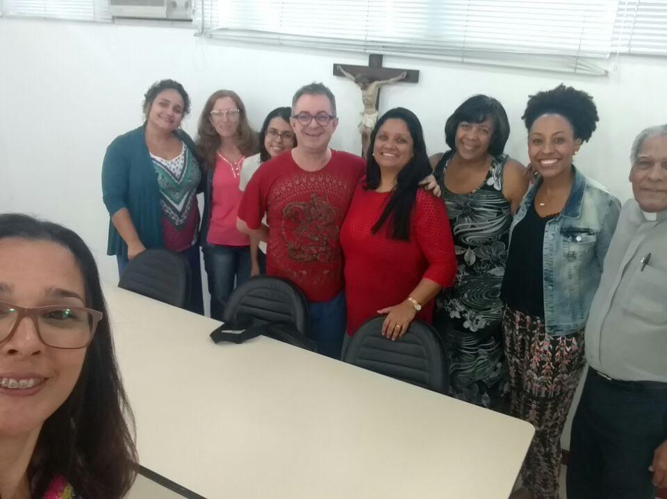 CRI e demais intérpretes que atuam nas Comunidades: Karine, Esther, Hilda, Cesar, Marilene, Graça, Camila e o Diácono BA. Reunião no dia 1º de julho, Mitra.