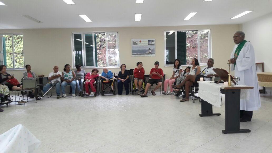 Celebração da Palavra presidida pelo diácono permanente José Ferreira, na Casa de Retiros Padre Anchieta no dia 15 de outubro.