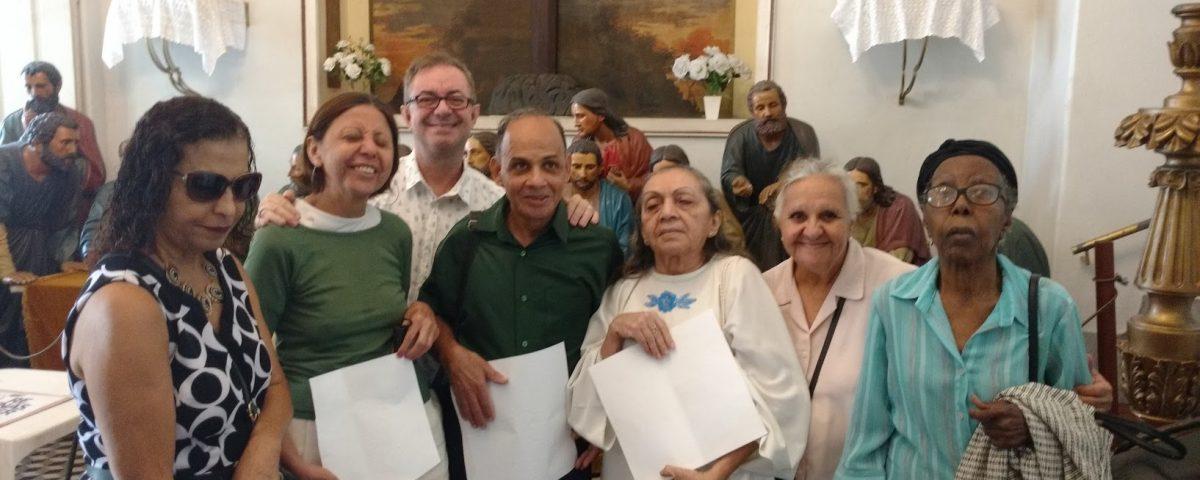 Da esquerda para direita: Lúcia, Antonia, Cesar, Jorge, Iinês, Doralice e sua amiga. Igreja de Nossa Senhora da Glória - Largo do Machado