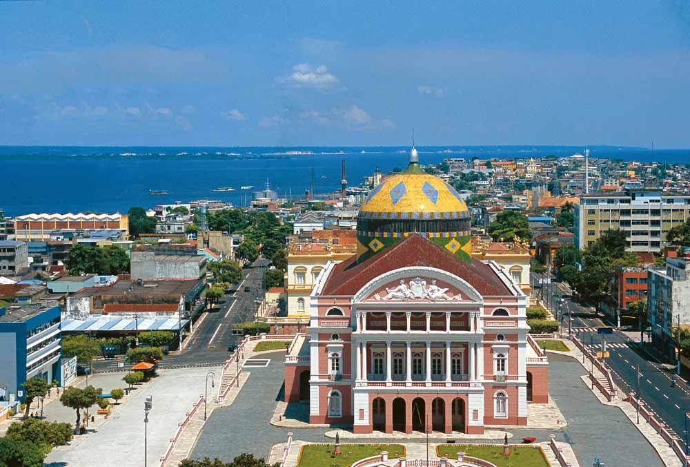Cidade de Manaus  (AM) com destaque para o Teatro Municipal. Arquidiocese sediará o 20º ENAPAS/10º ENCICAT em 2022.