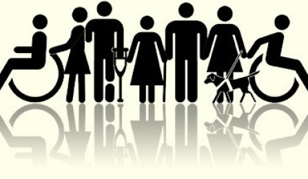 Desenho mostrando todas as pessoas com alguma deficiência: cego com cãoguia, outro com muleta, outro usando cadeira de rodas.