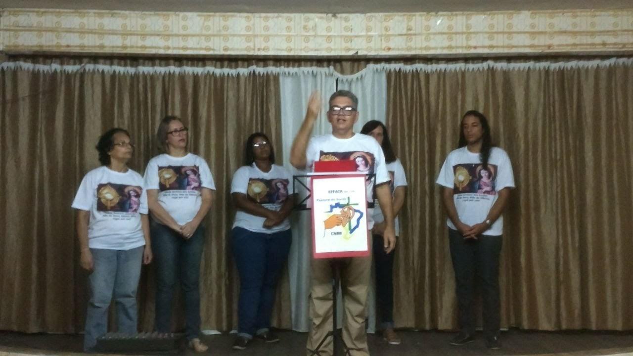Surdos da Comunidade do Méier fazendo a palestra sobre a origem da devoção de N. Sra. dos Surdos, Mãe do Silêncio, em 04/02.