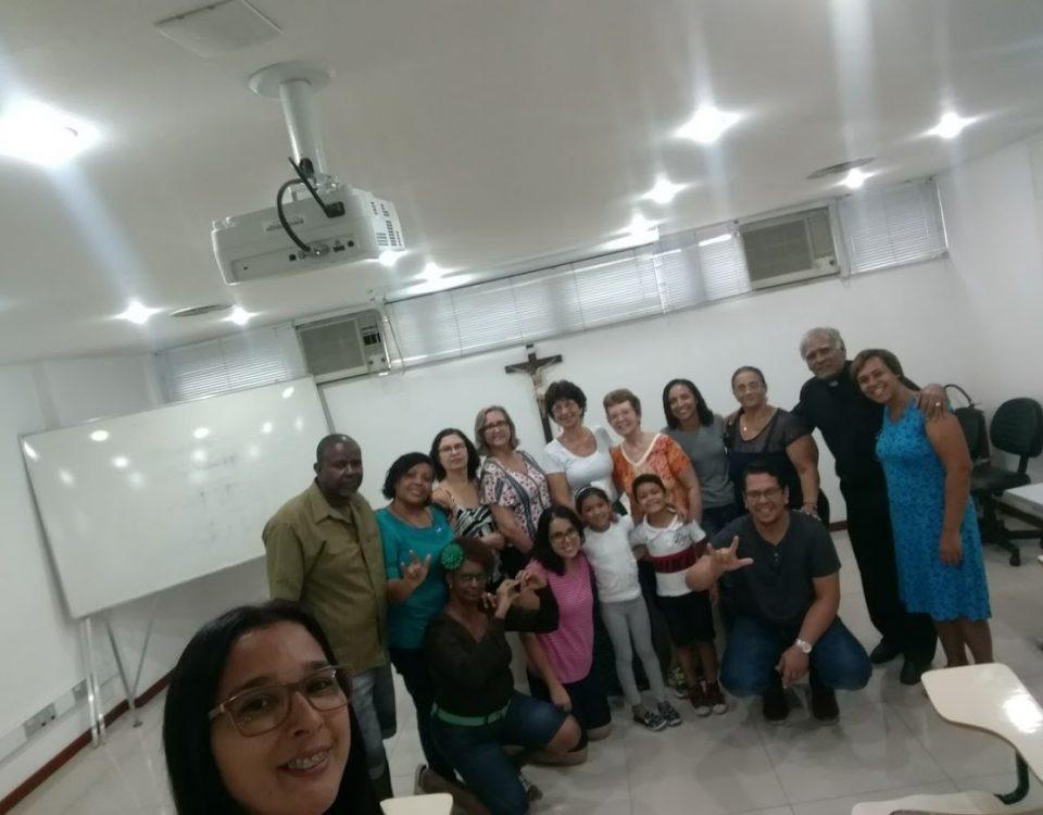 Coordenadores Locais surdos das Comunidades e intérpretes na Cúria do Rio. (04/03)