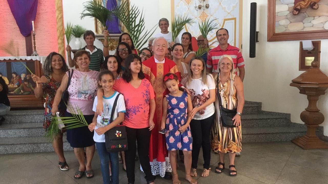 Missa de Ramos na Paróquia Nossa Senhora de Fátima em Jacarepaguá com a presença da Comunidade dos Surdos.