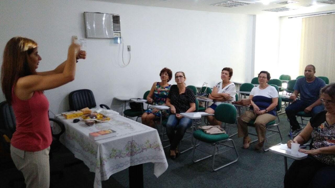 Momento de Formação dos leigos surdos (coordenadores locais das Comunidades dos surdos).