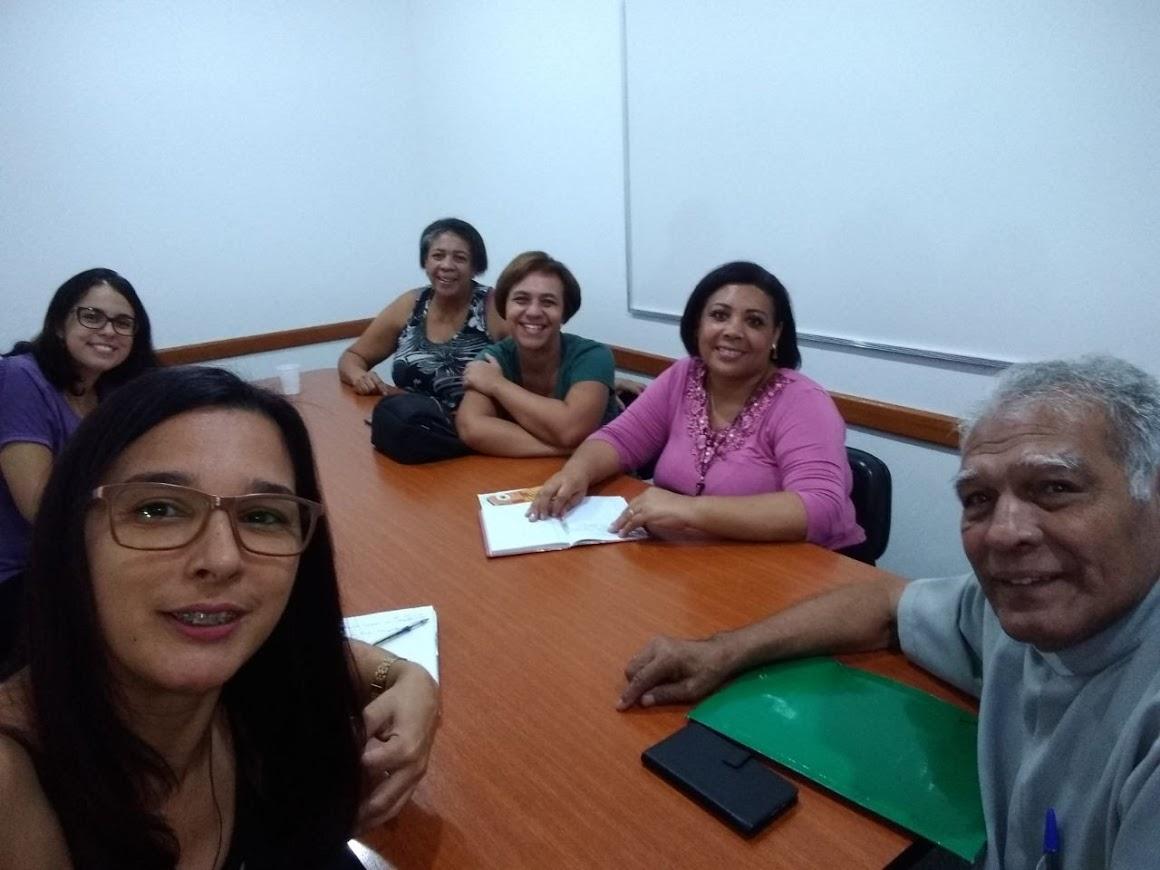Reunião de Formação dos Intérpretes Católicos da Arquidiocese do Rio - 05 de maio. Presença do assistente eclesiástico, Diácono BA.