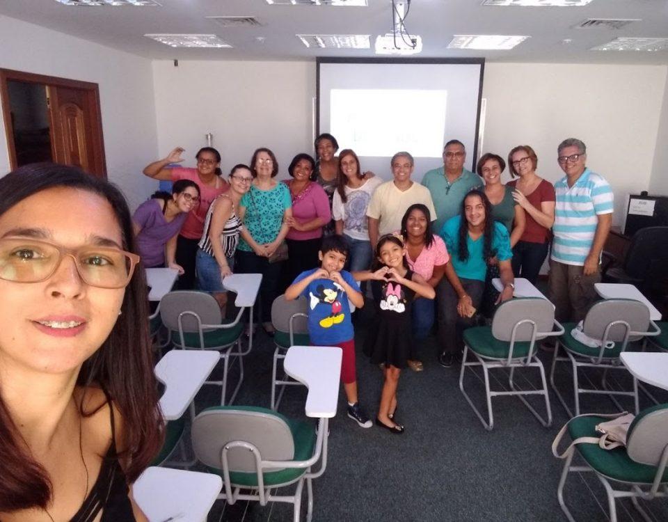 Surdos das Comunidades e intérpretes na sala do 5º andar da Cúria Metropolitana do Rio de Janeiro - 05 de maio