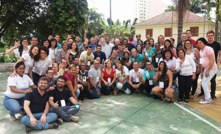 Foto Oficial dos participantes do 4º Seminário Católico de Inclusão. em Juiz de Fora - MG