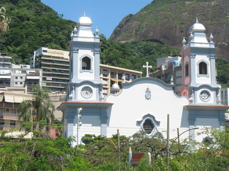 Igreja Santa Margarida Maria da Lagoa.  Saída do Túnel Rebouças