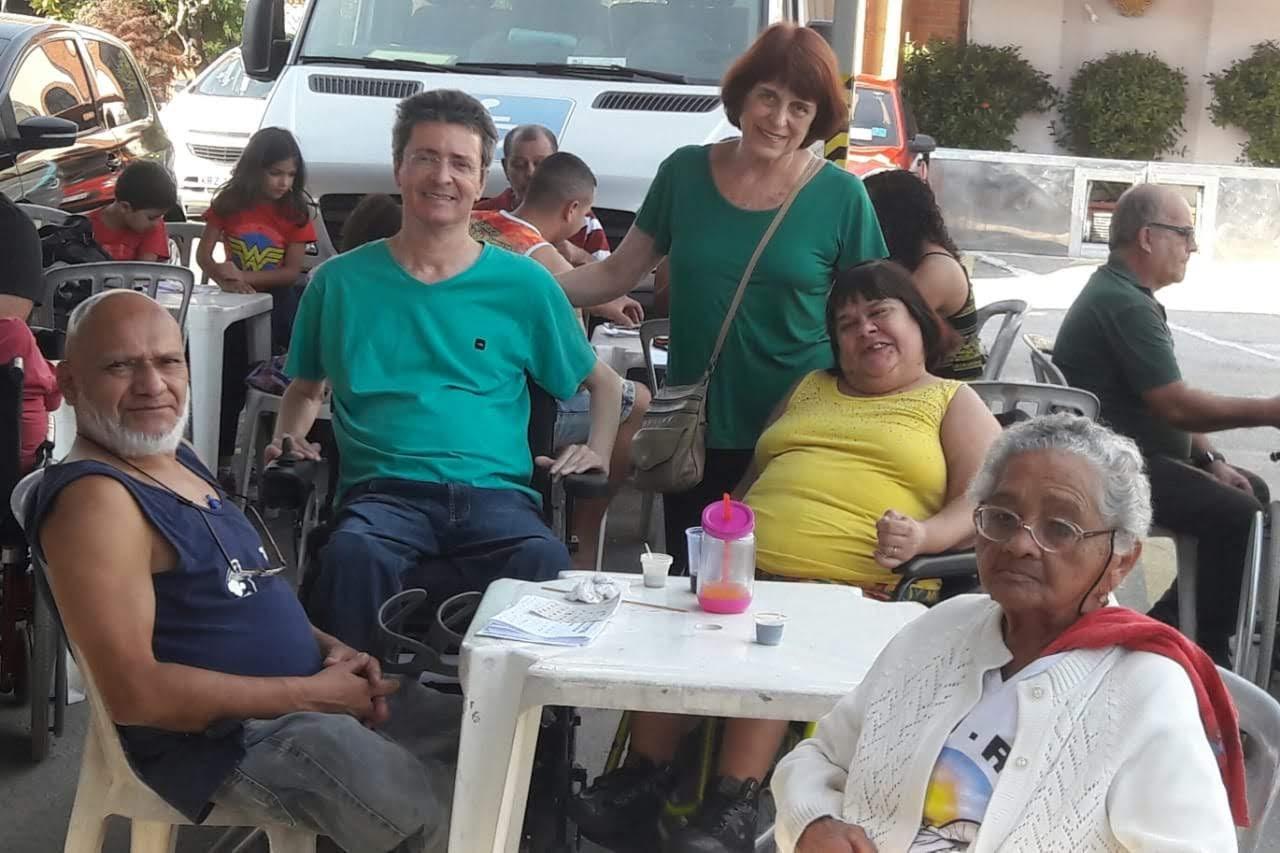 Eraldo, Coordenador Estadual da FCD do Rio de Janeiro ao lado de Magnólia (cadeirante).