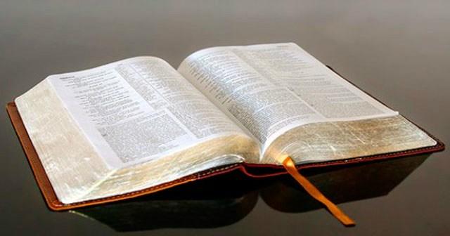 LA-BIBLIA-1