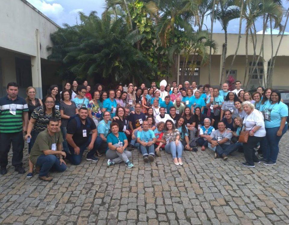 Foto oficial dos participantes do 27º Encontro Regional do Leste 1 da Pastoral do Surdo.