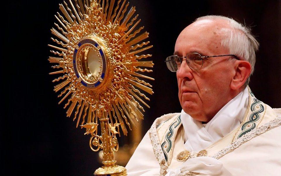 Papa-Francisco-Eucaristia-1200x600